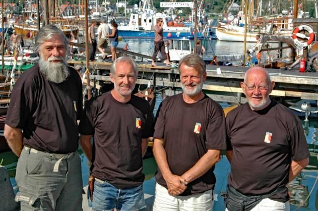Forbundet KYSTENs fire første ledere fotografert i 2004. Fra venstre Arne Hole, Tore Berntsen, Per Olaf Lia og Tryggen Larsen. Fremover kan du lese portretter av en rekke personer som har vært med å forme vårt felt. Foto: Bente Foldvik.
