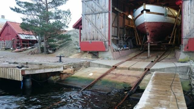På Bragdøya ønsker de seg mer miljøvennlig avrenning fra slippen. Nå vil kystlagene få mulighet til å søke om støtte til miljøtiltak på sine anlegg. Foto: Maiken Flågan